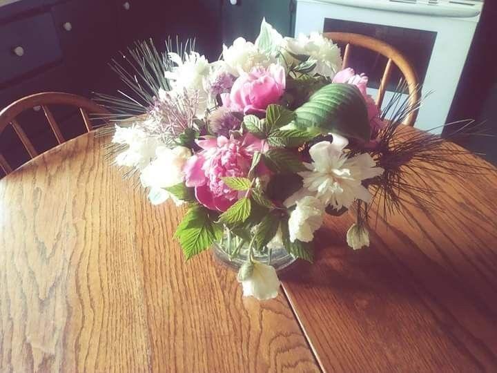 Tmx Fb Img 1561928147266 51 1073717 1561928179 Fowlerville, MI wedding florist