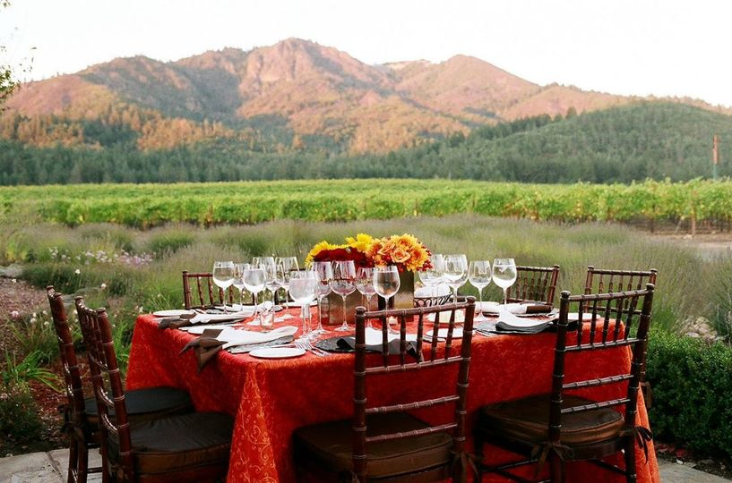 Table set-up by a beautiful mountain scenery