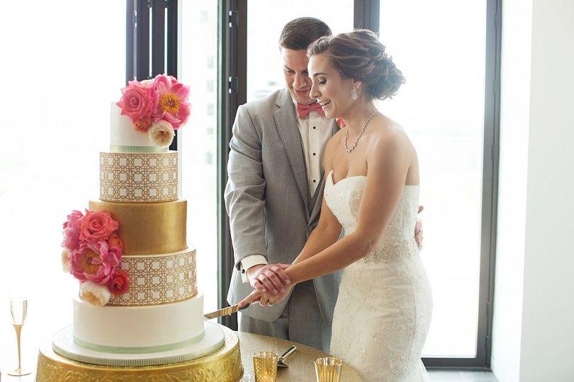 f16089593de6c6cb Abby and Jared Cake Cutting KC Wedding Cake