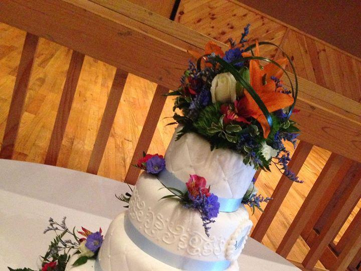 Tmx 1239266 212414178882658 1873314109 O 51 640817 159924477087551 Orefield, PA wedding florist