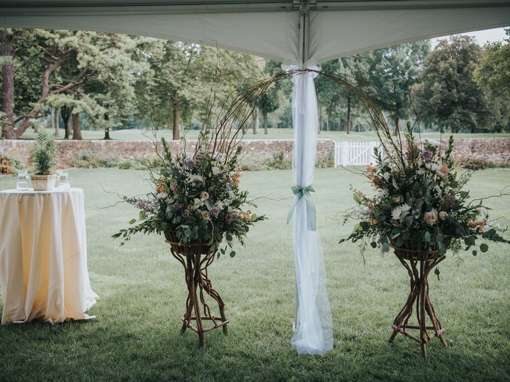 Tmx 42980348 10156800964401974 1592544603154677760 O 51 640817 159924481159135 Orefield, PA wedding florist