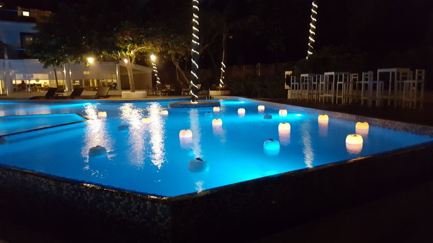 Candles on the pool