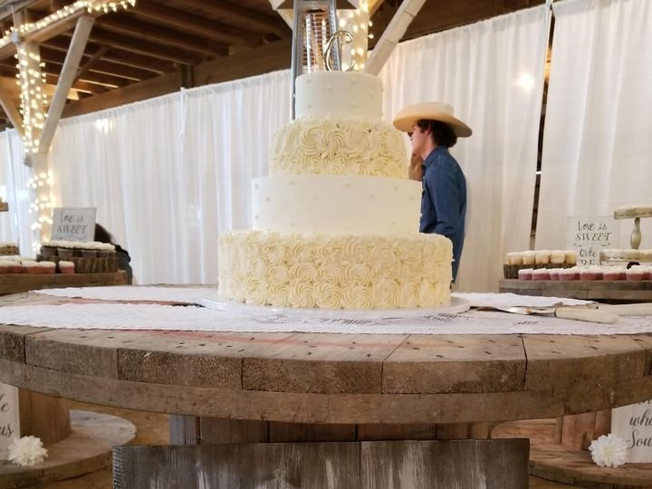 Tmx 20181027 162244 51 1862817 1567557142 Fort Wayne, IN wedding cake