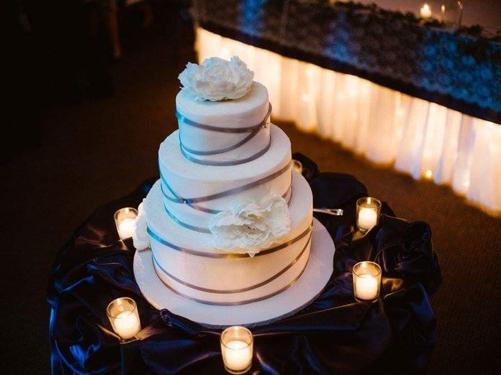 Tmx Fb Img 1478795214610 51 1862817 1567557178 Fort Wayne, IN wedding cake
