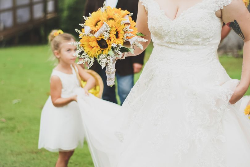 Flower girl helping