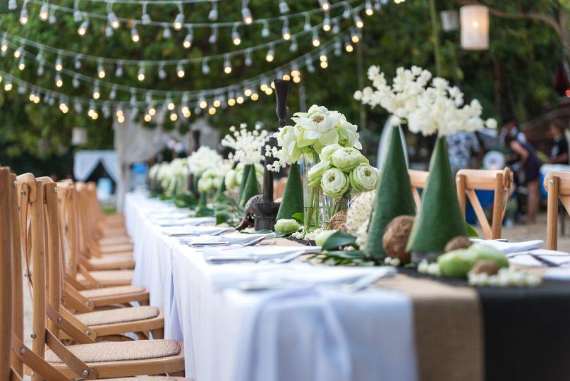 Green/white outdoor reception