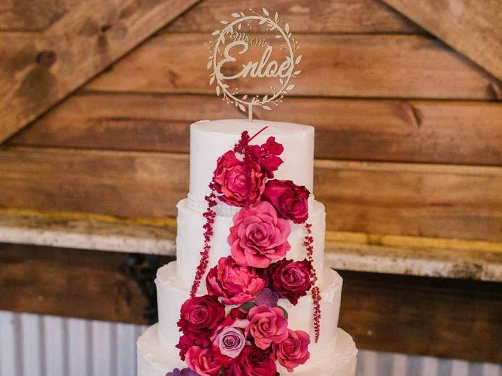 Tmx 1529170389 9929592e266b53e3 1529170388 90e9eb85455878b7 1529170380326 3 IMG 0018 Conroe, TX wedding cake