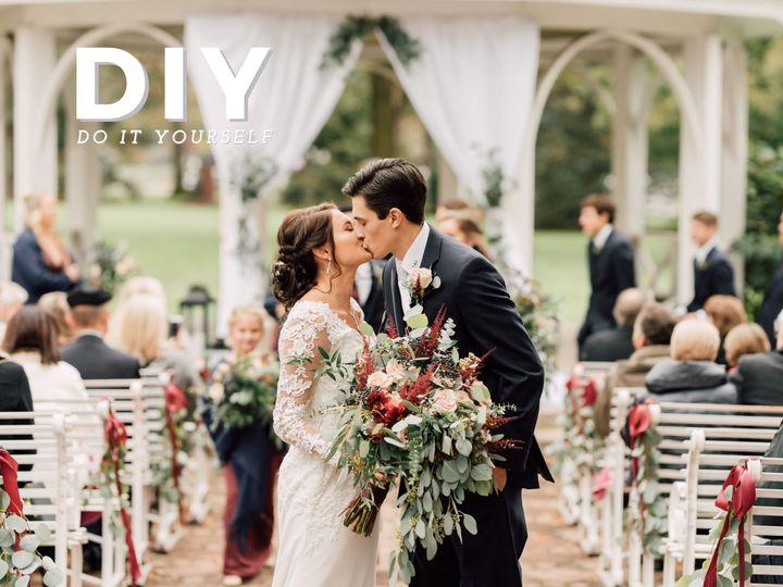 Tmx 1516636882 52b02af198d2709f Gray VictoriaIsabel Dayton wedding florist