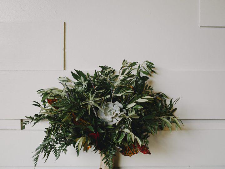 Tmx Derks Works The Flowerman Ohio Florist Fall Rustic Succulent Bouquet 85 51 6817 159863542438597 Dayton wedding florist