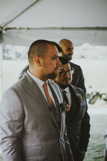 groom waiting 51 1056817 159077482858878