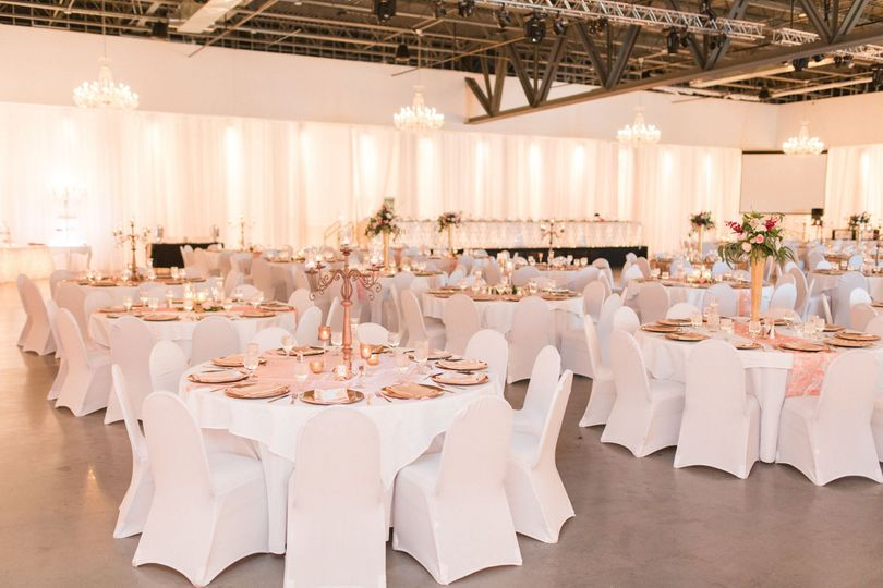 Reception setup | Photo: LaBenz Photography
