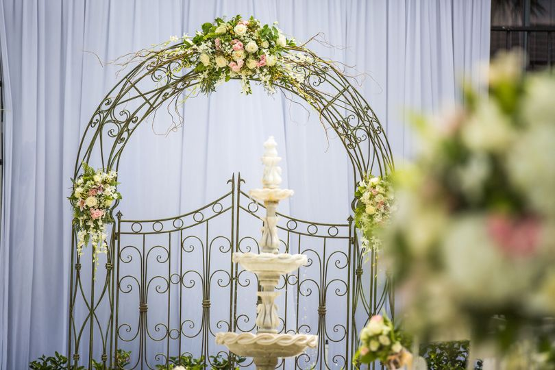 Arch with floral decor