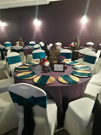 Tablesetting and blue decor