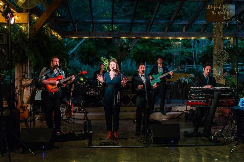 A wedding band in full swing (Claire Diana Photography)