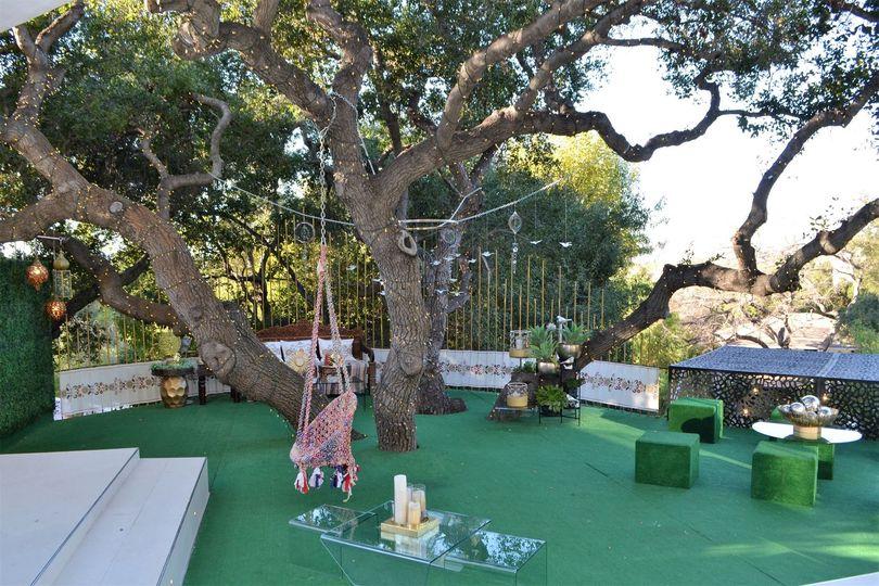 Oak Tree Deck