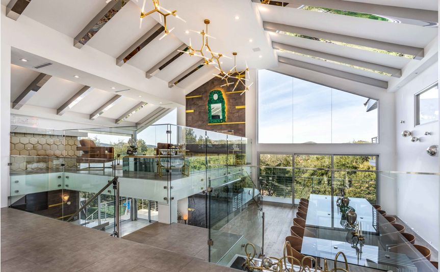 the contemporary glass mansion rent this location on giggster 7 51 2021917 162026449290791