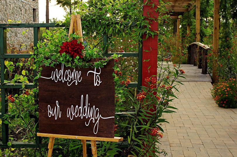 Garden wedding ceremony at Mar