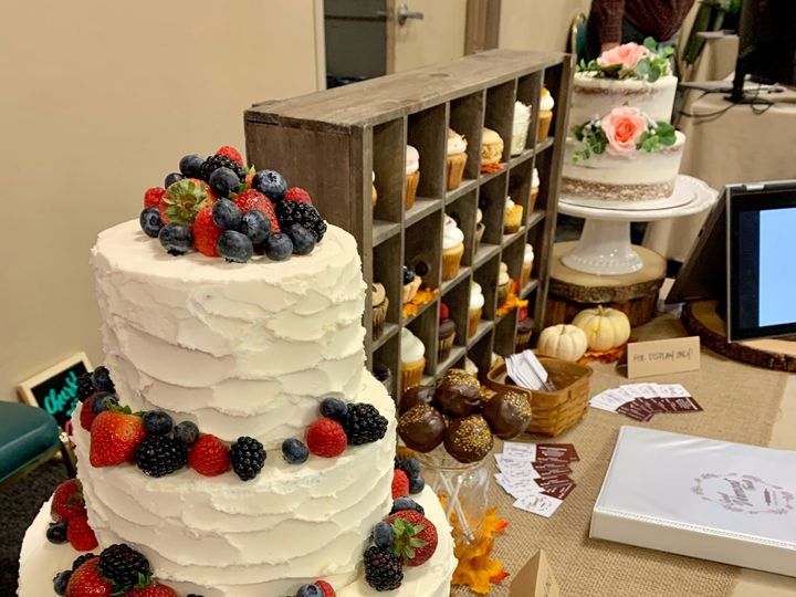 Tmx 3 Tier And Display 51 1883917 1571754092 Colchester, VT wedding cake