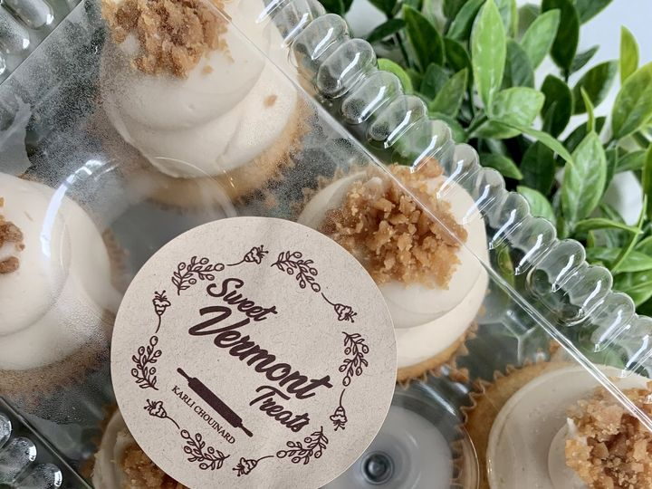 Tmx 8 13 Maple Cupcakes 51 1883917 159821375677011 Colchester, VT wedding cake