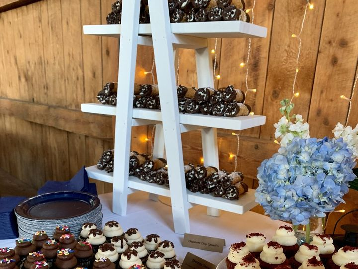 Tmx 8 22 Wedding Cannoli Tower Cupcakes 51 1883917 159821381283427 Colchester, VT wedding cake