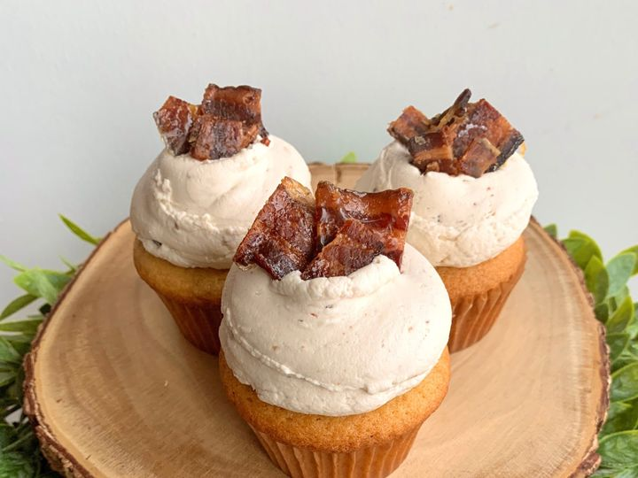 Tmx Vt Maple Bacon Cupcakes 51 1883917 157833159686616 Colchester, VT wedding cake