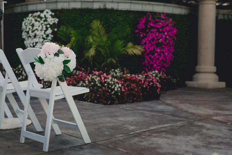 The Courtyard, outdoor wedding ceremony at Arden Hills.