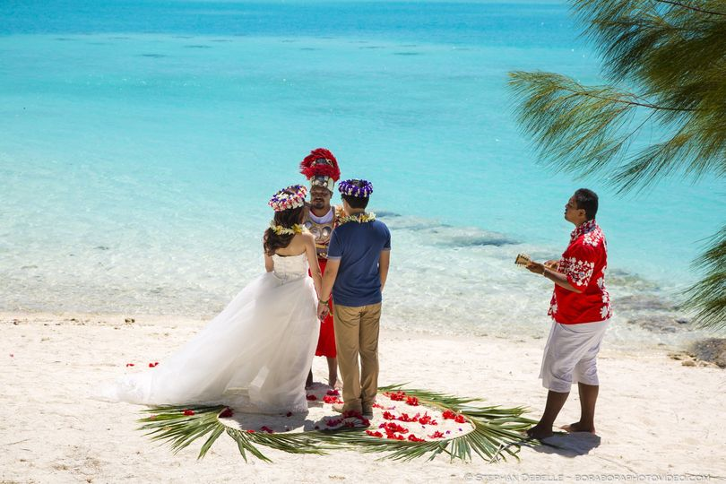 Wedding on the Beach - Bora Bora