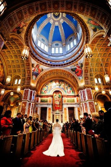 Arienne chose to walk by herself down the aisle at St. Matthew's Cathedral in Washington, DC