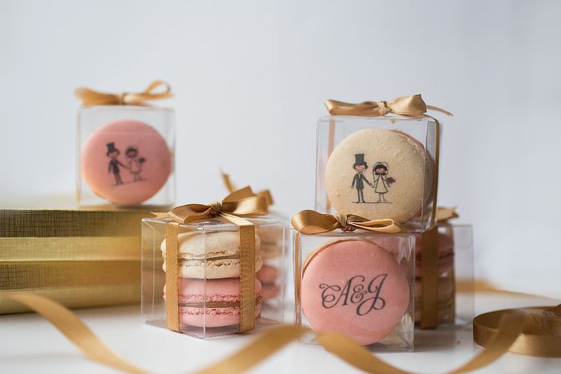 Customize your macarons