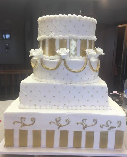 White and gold cake designs
