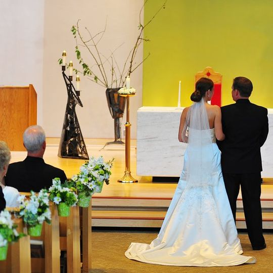 CathysWraps wedding aisle flower vases and pew cones hang elegant flowers as church pew decorations...