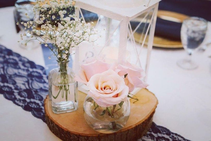 Centerpiece with rose