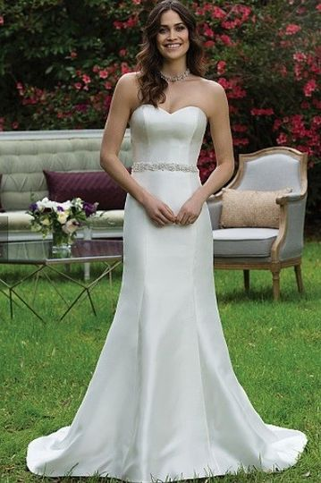 Masako formals dress attire honolulu hi weddingwire for Honolulu wedding dress rental