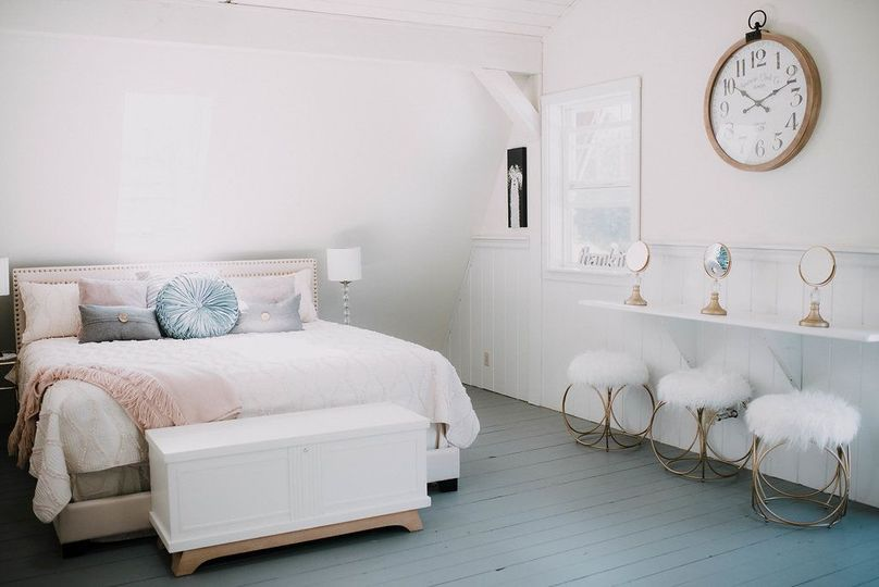 Bridesmaid's suite