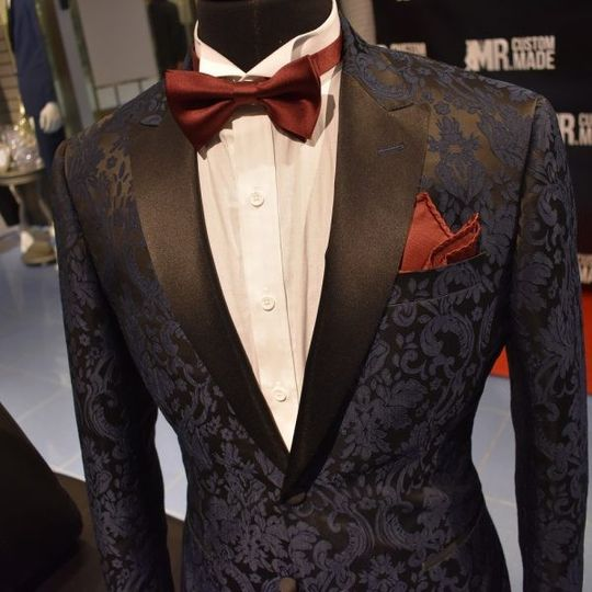 Our l'amante dinner jacket