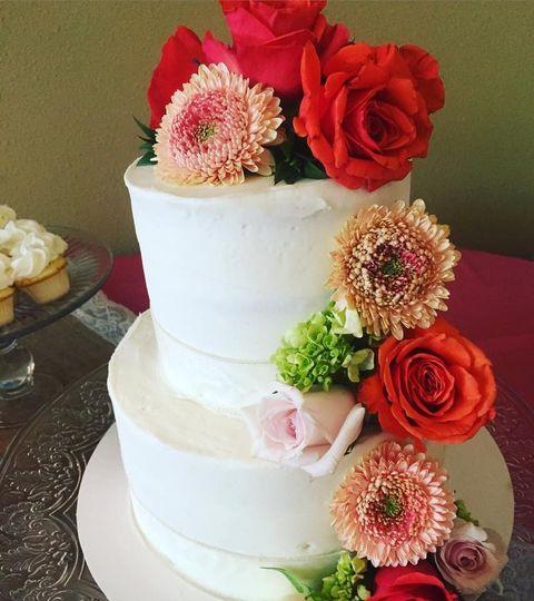 2 layered wedding cake