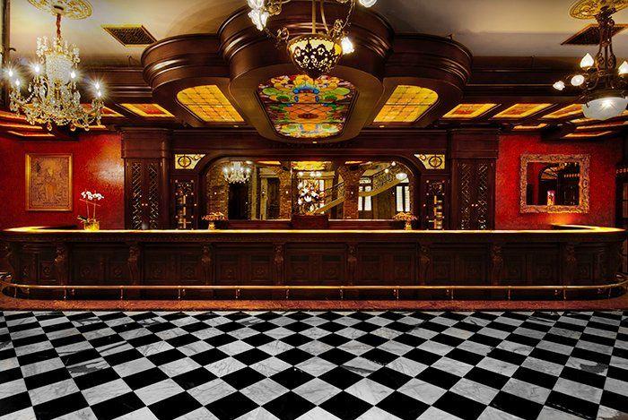 English Bar Room