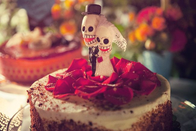 Day of the Dead Wedding Cake Flowers