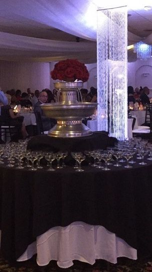 Diva champagne fountain