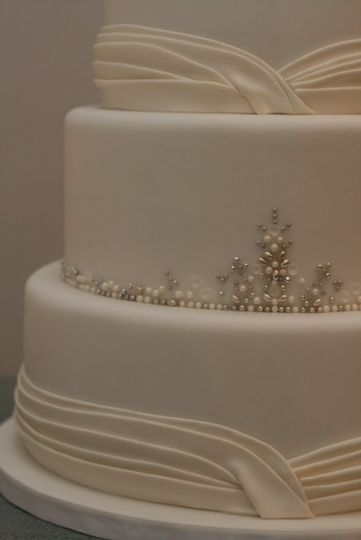 800x800 1382904901899 bead wedding cak