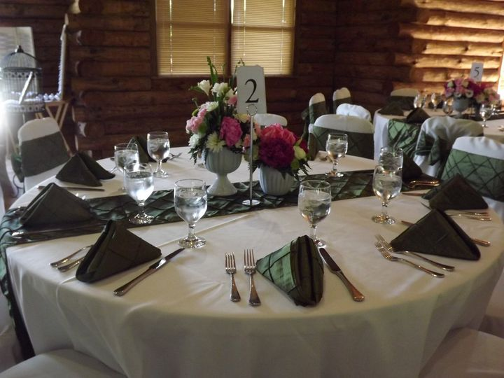 Pintuck Runners and Napkins for a Wedding at Little Seneca Lodge