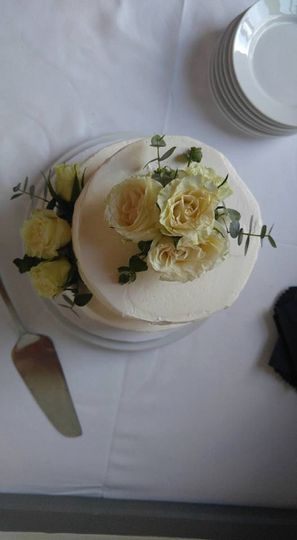 Yummy cake at our wedding
