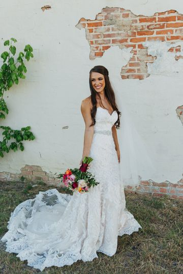 amy bridal 09 51 971327