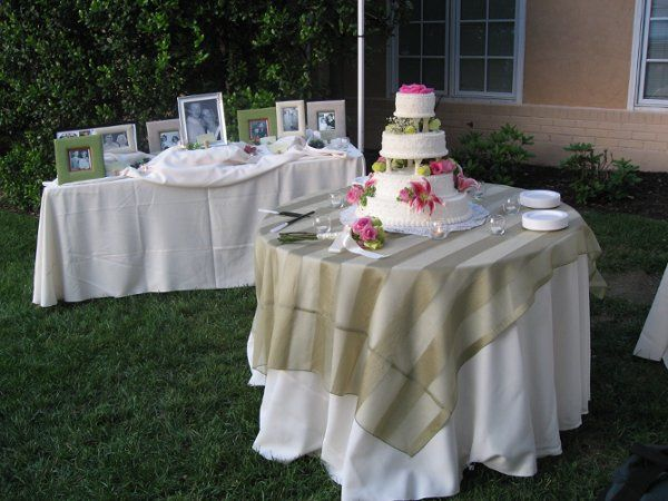 A beautiful cake table in front of our Tuscan style winery.