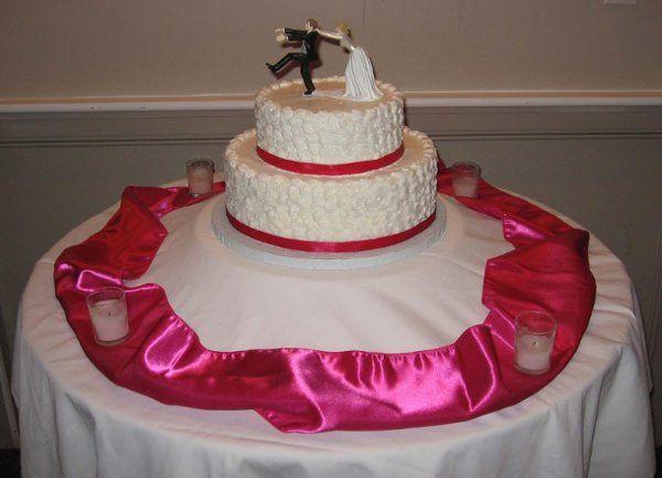 Tmx 1238376941234 2TierFushiaRibbonWeddingCake Pawtucket, RI wedding cake