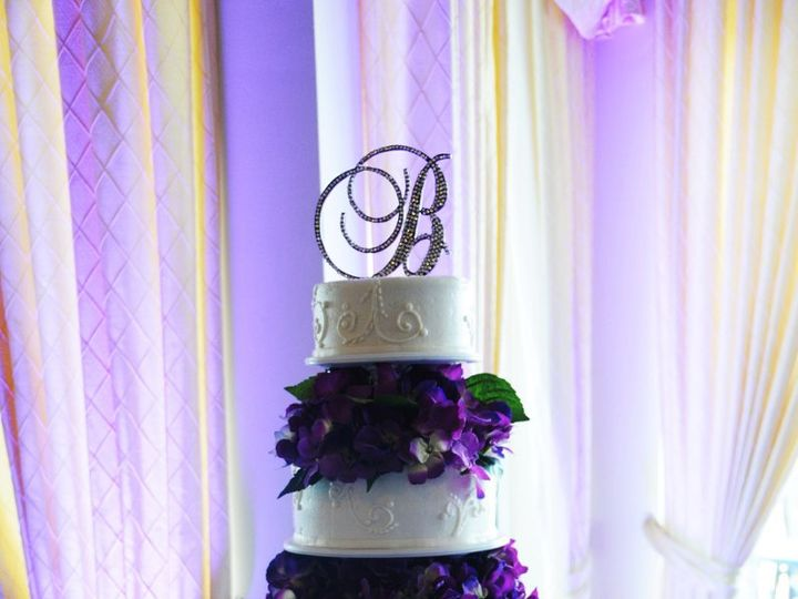 Tmx 1344948035000 Wed0190 Pawtucket, RI wedding cake