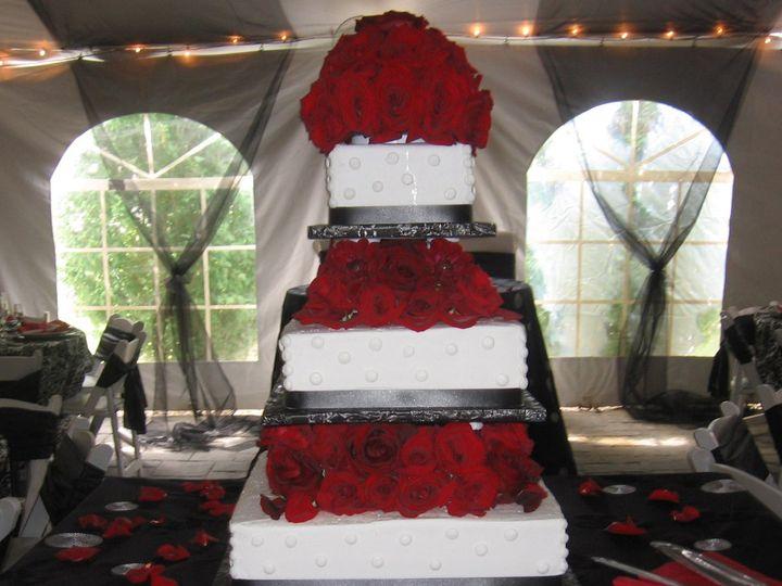 Tmx 1344948061190 Wed0195 Pawtucket, RI wedding cake