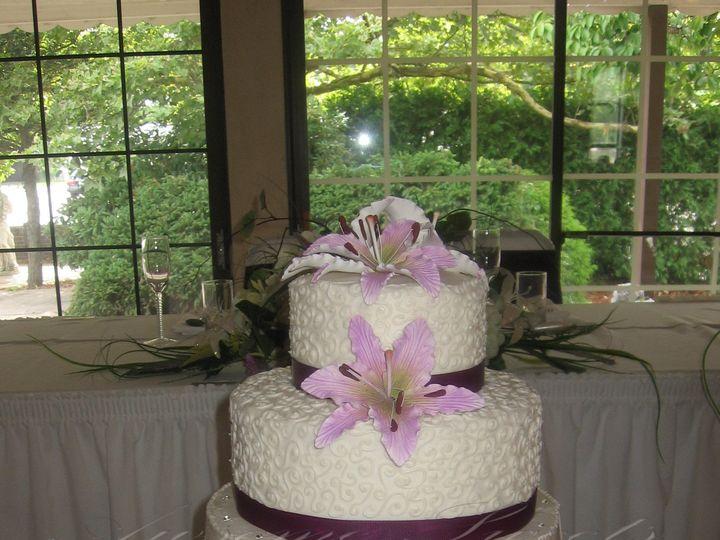 Tmx 1393439899637 Wed011 Pawtucket, RI wedding cake