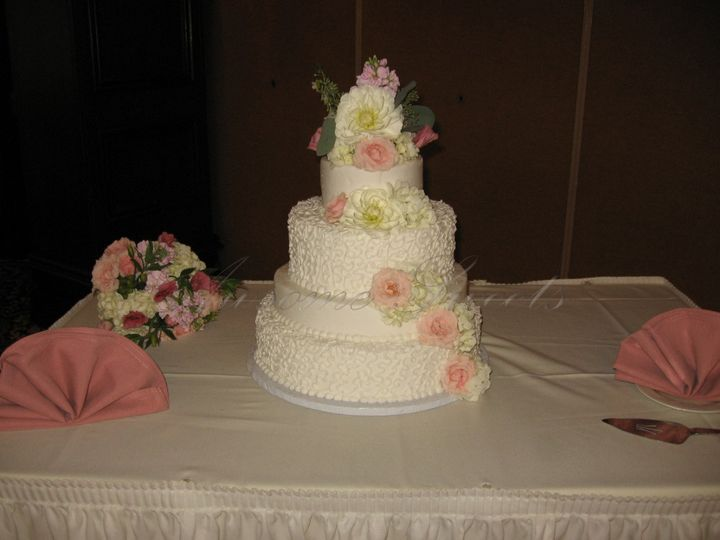Tmx 1393440222777 Wed020 Pawtucket, RI wedding cake