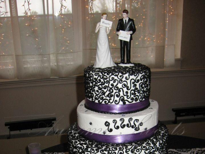Tmx 1393440256299 Wed021 Pawtucket, RI wedding cake